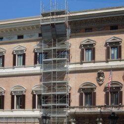 Veduta di parte della facciata principale restaurata