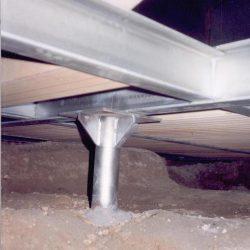 Dettaglio della solaio contenente l'impianto di riscaldamento a pannelli radianti e il pavimento della chiesa