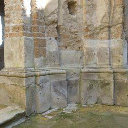 Particolare della reintegrazione dei piloni all'interno della Chiesa di San Bonaventura_post operam