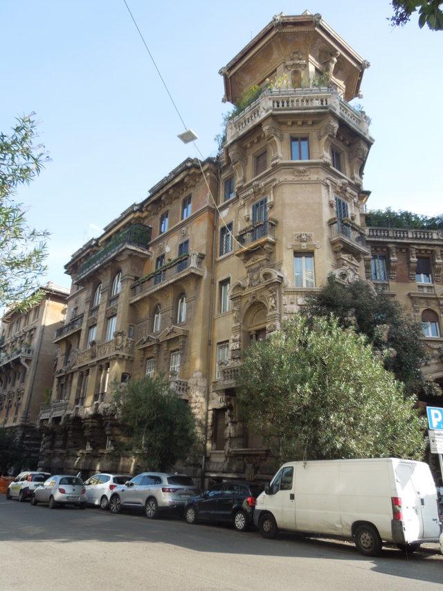 Veduta del palazzo_angolo via Dora-via Tagliamento