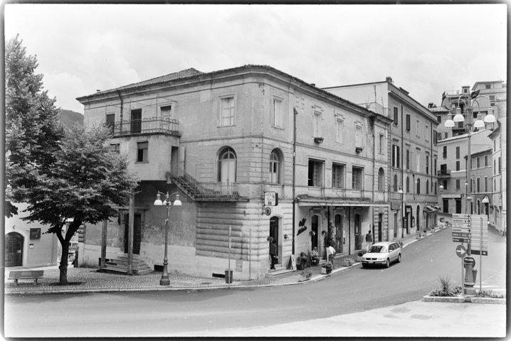 Facciata su Piazza della Resistenza_foto storica