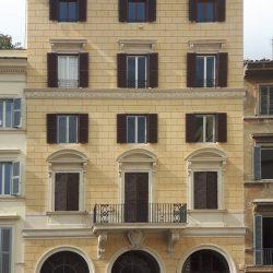 Veduta del prospetto su Piazza Farnese_post operam